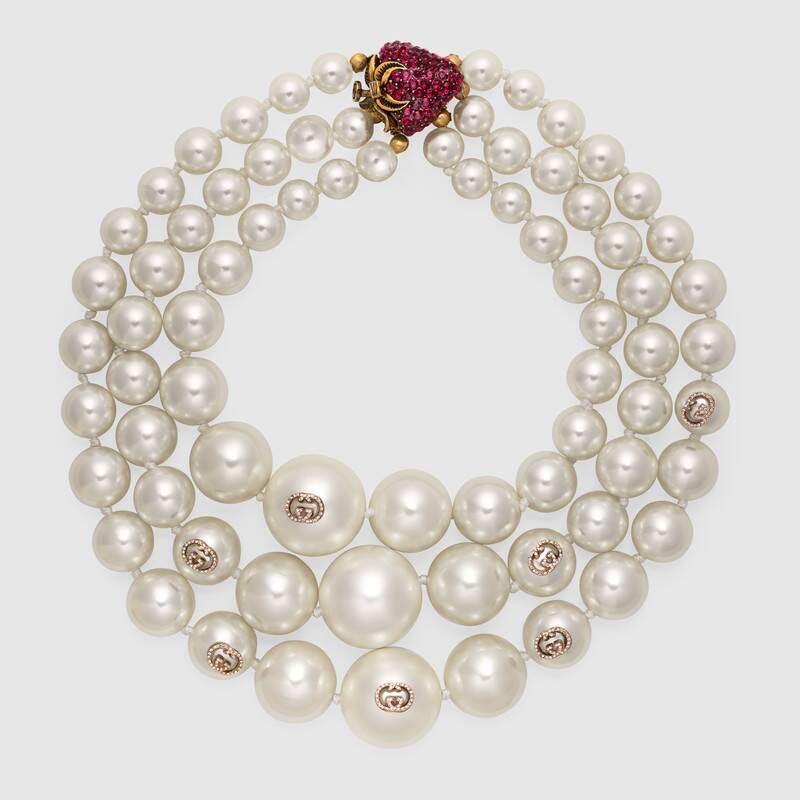 Layered Pearl Necklace With Strawberry Gucci For Women 580506i47628521 Layered Pearl Necklace Fashion Necklace Fashion Jewelry Necklaces