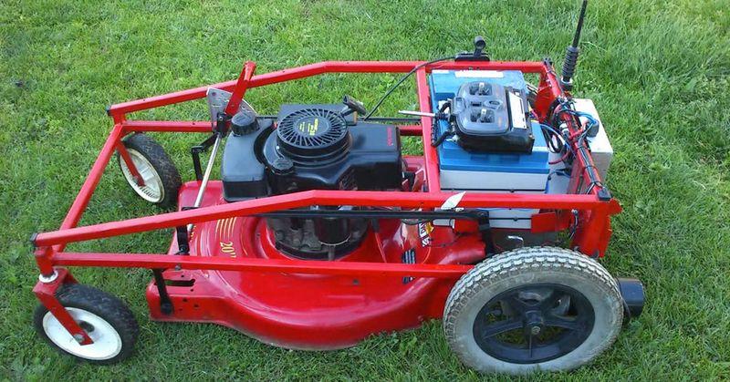 La tondeuse télécommandée refaire pelouse ou gazon