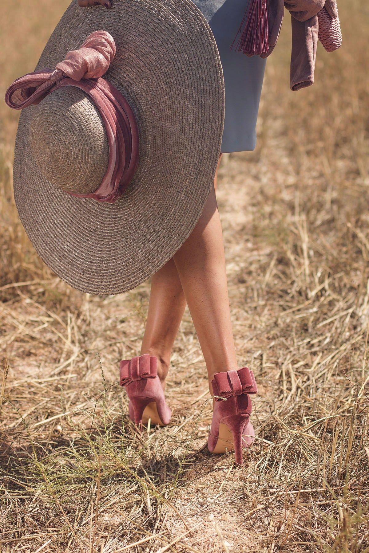 Zapatos terciopelo lazo rosa Salo Madrid Invitada Perfecta Zapatos Para  Vestido Azul 51481a1394e