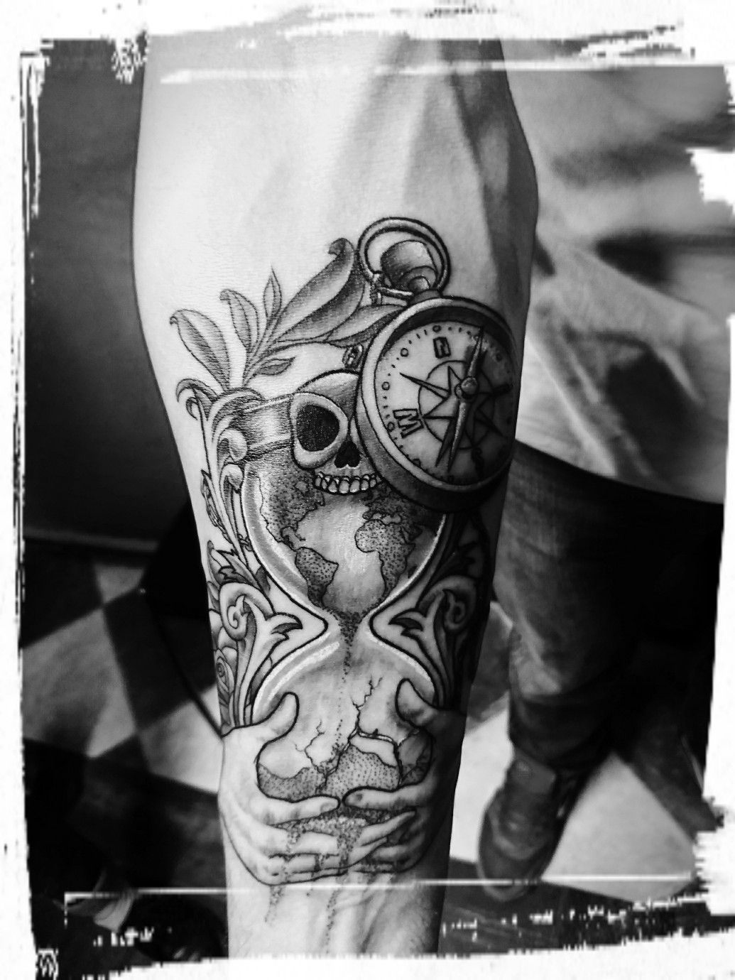 image de tatouage sablier