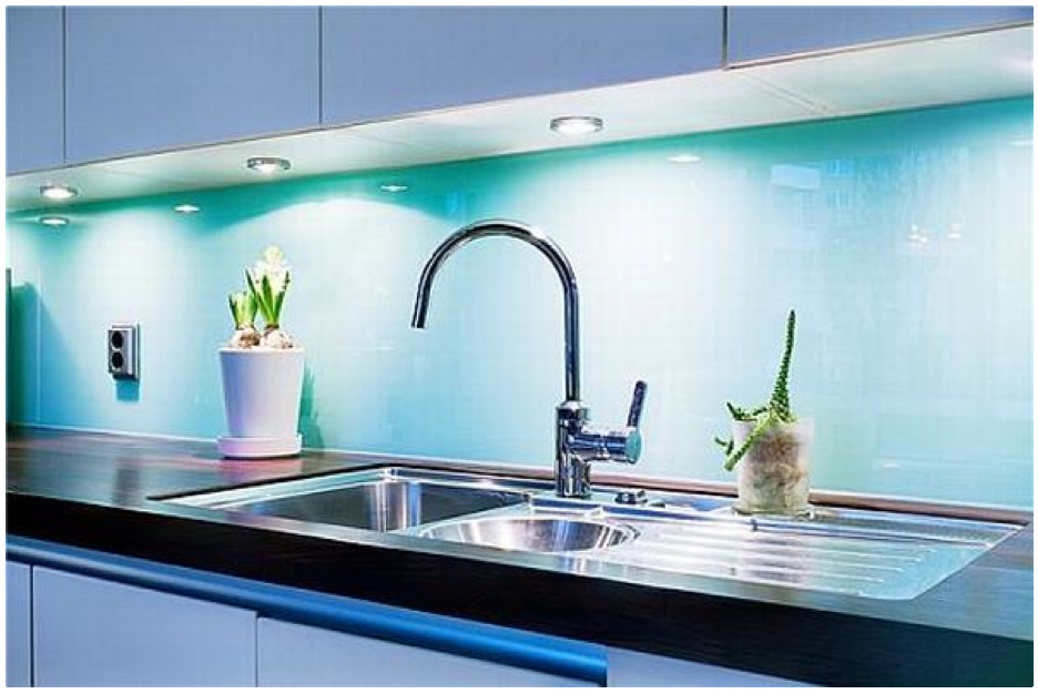 Turquoise painted glass backsplash and undercabnetry lighting adds ...