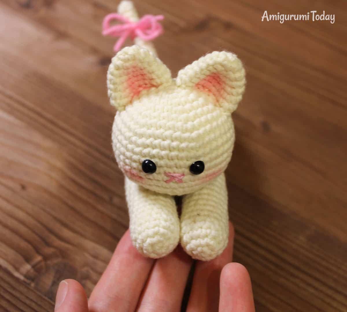 Patrón de gatito amigurumi de mentira | Patrones amigurumi ...
