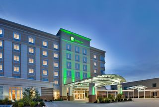 Welcome To Your Kansas City Hotel Holiday Inn Kci With Images