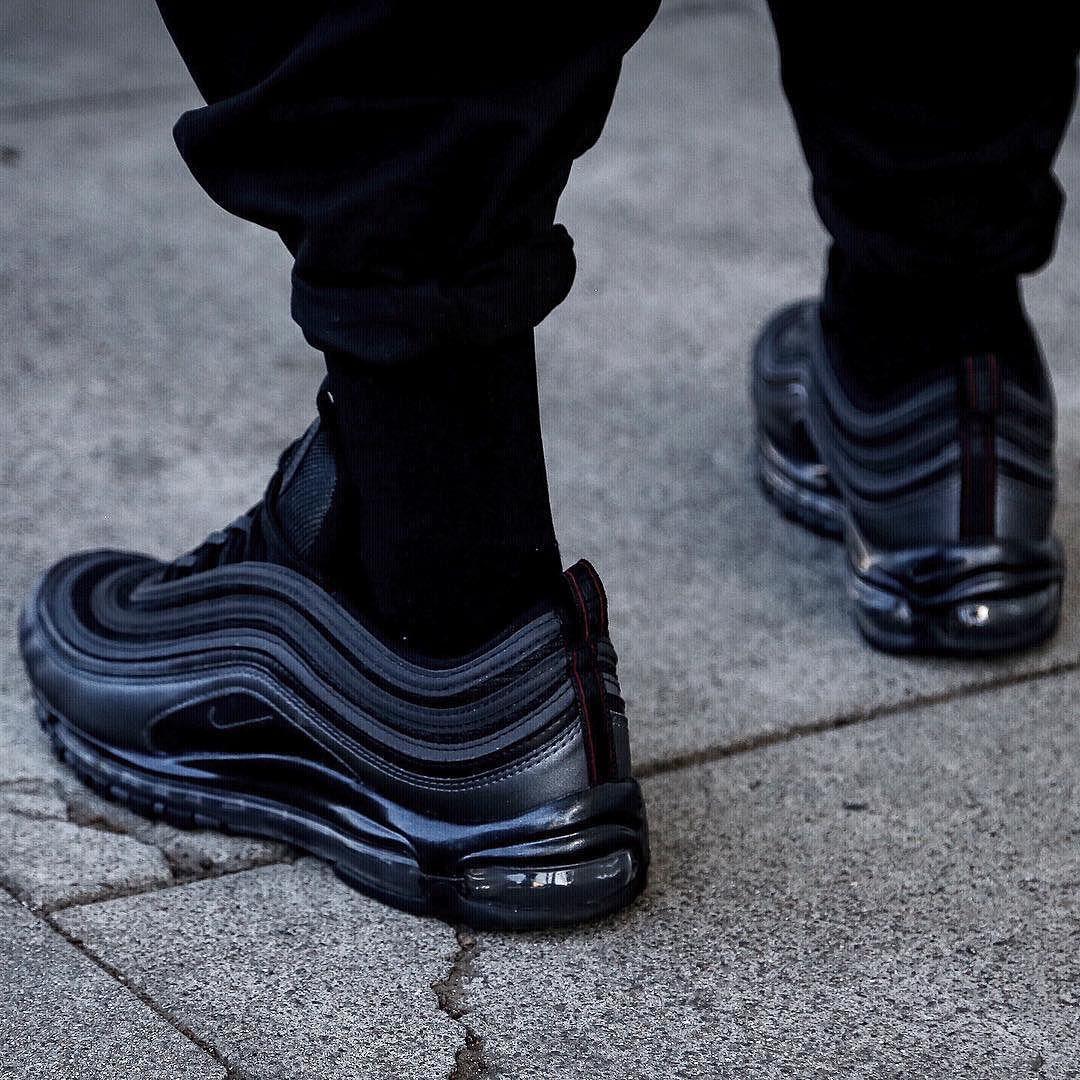 "Aparador ganar Arriesgado  unstablefragments2: "" Nike Air Max 97 Ultra 'Triple Black' ( via in.neutral  ) @ Finishline "" | Only shoes, Sneakers fashion, Mens fashion shoes"
