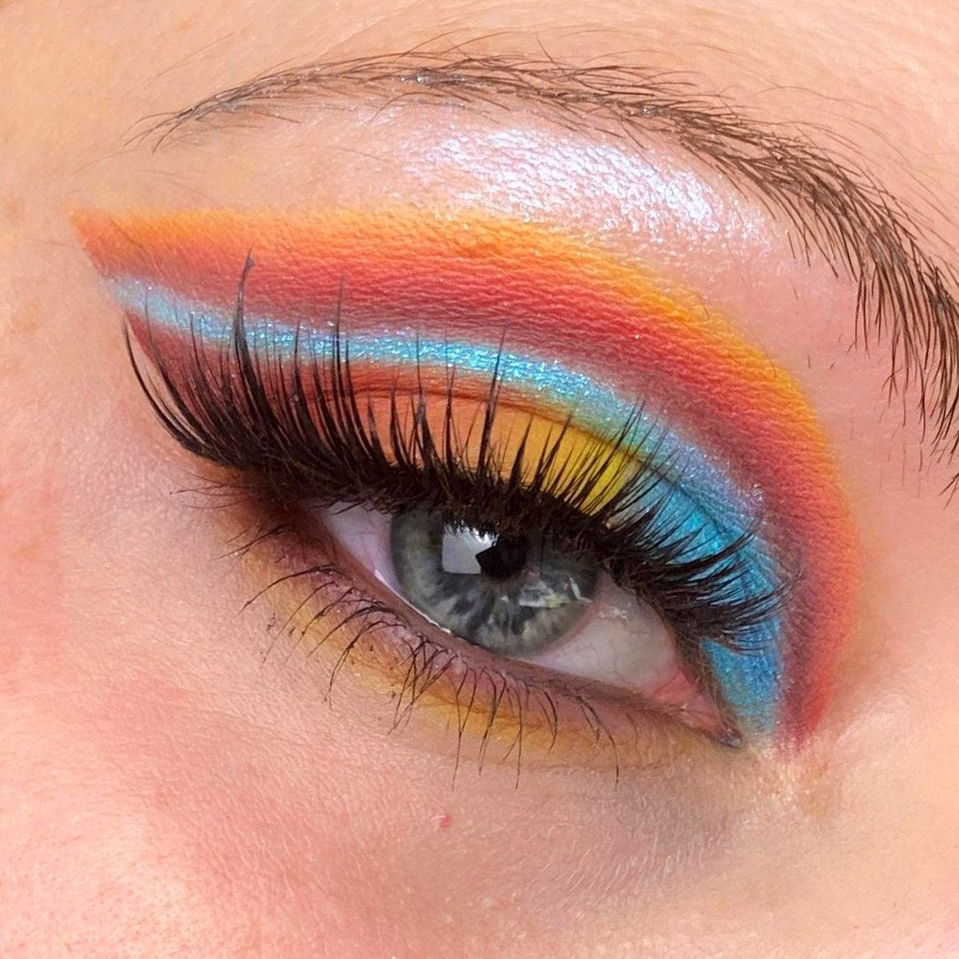Colorful Eyemakeup | Double Cut Crease