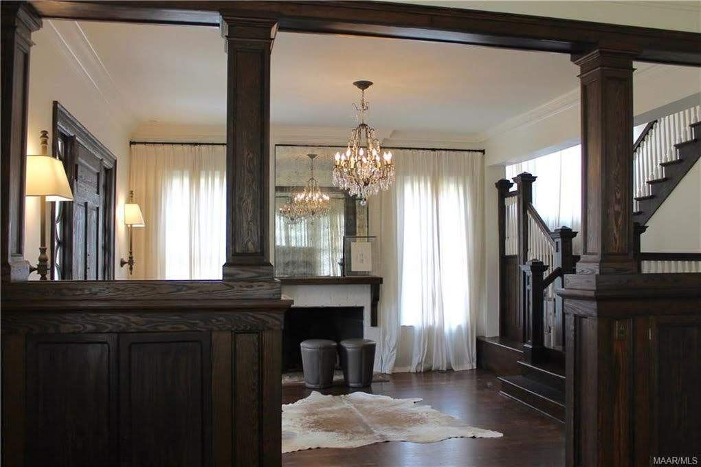 1920 Foursquare For Sale In Montgomery Alabama In 2020 House Spacious Living Old Houses