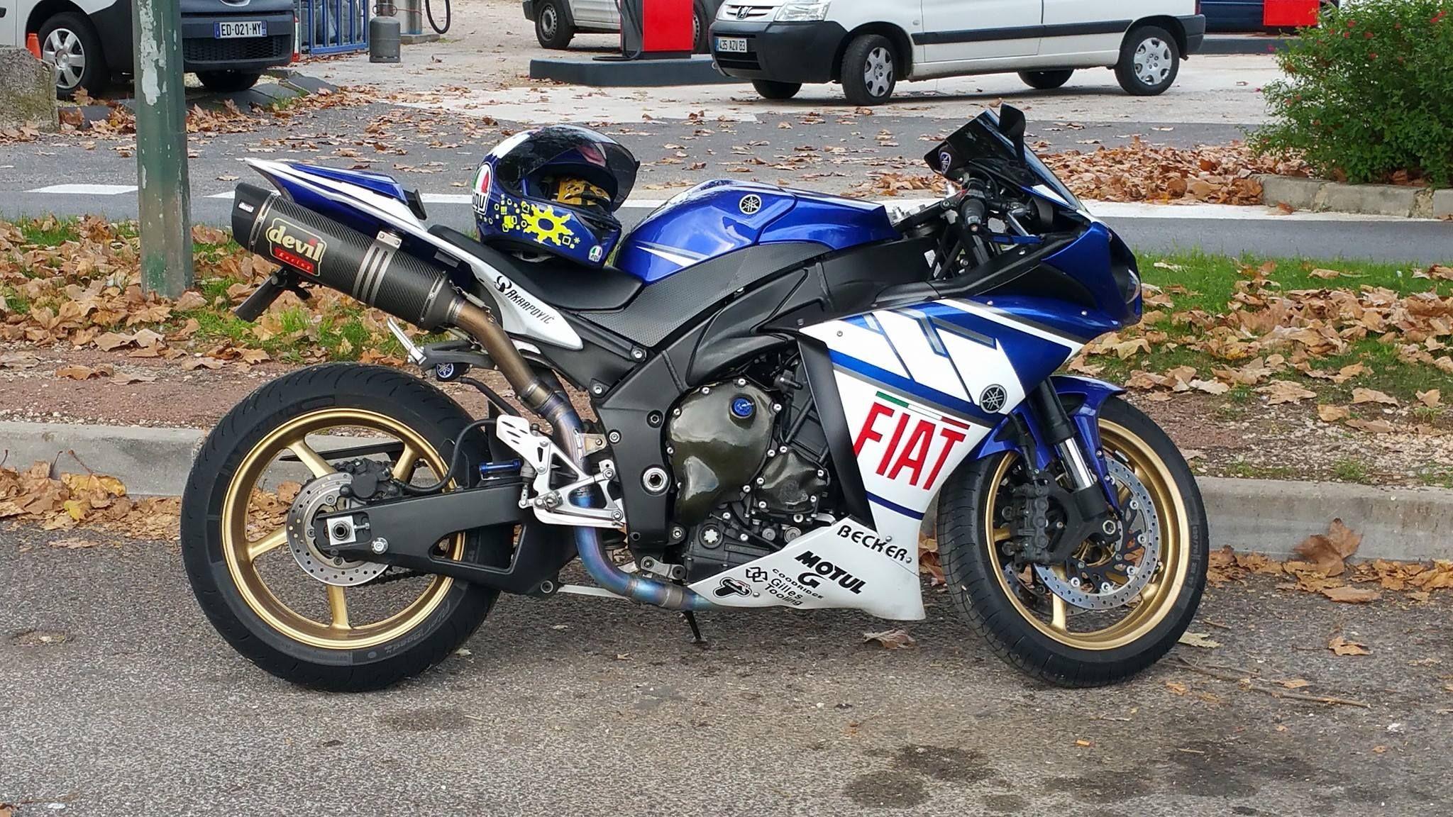 2011 yamaha r1 blue fiat devil exhaust [ 2048 x 1152 Pixel ]