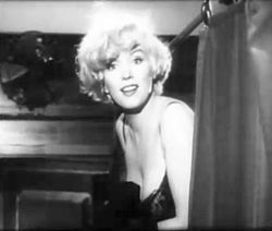 Marilyn Monroe elokuvan trailerissa