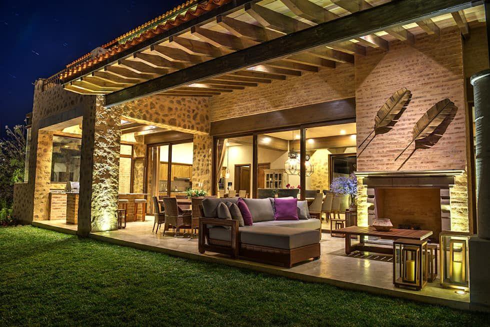 Terraza casas de estilo por interprika casas - Terrazas bonitas ...