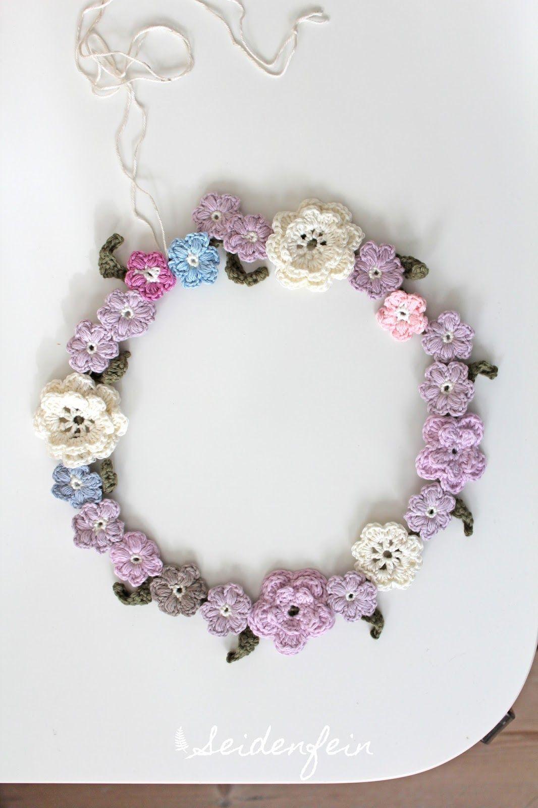 Blümchenkranz – gehäkelt * crocheting a flowerwreath * Fais au crochet une couronne de fleurs