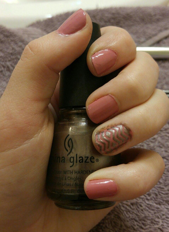Cute nail pattern- Ejiubas stencils - Essie 144 Eternal Optimist & China Glaze 731 Cords