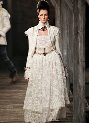 Chanel Pre-Fall 2013: METIERS D'ART SHOW