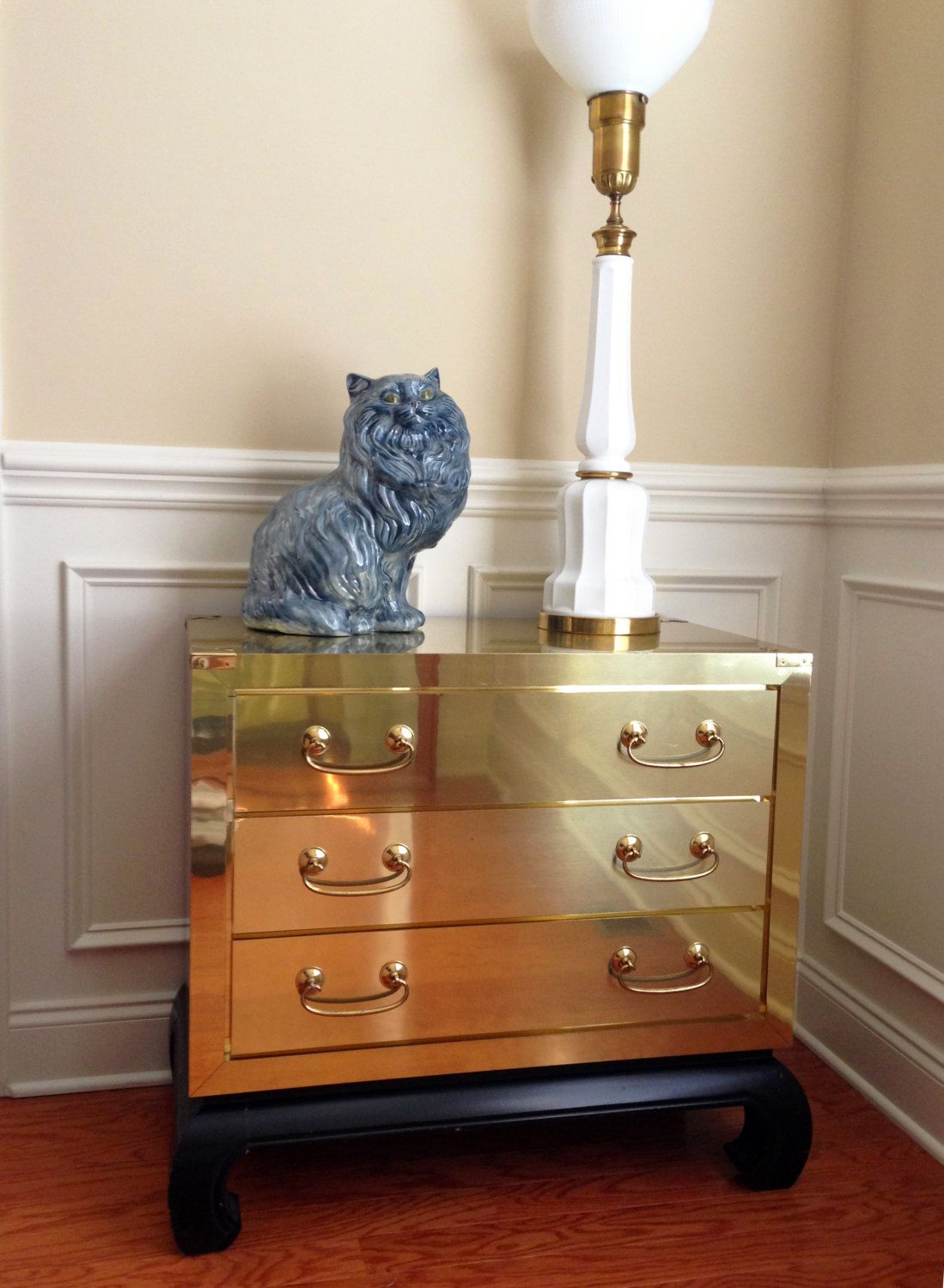 Chinoiserie brass 3 drawer hollywood regency end table