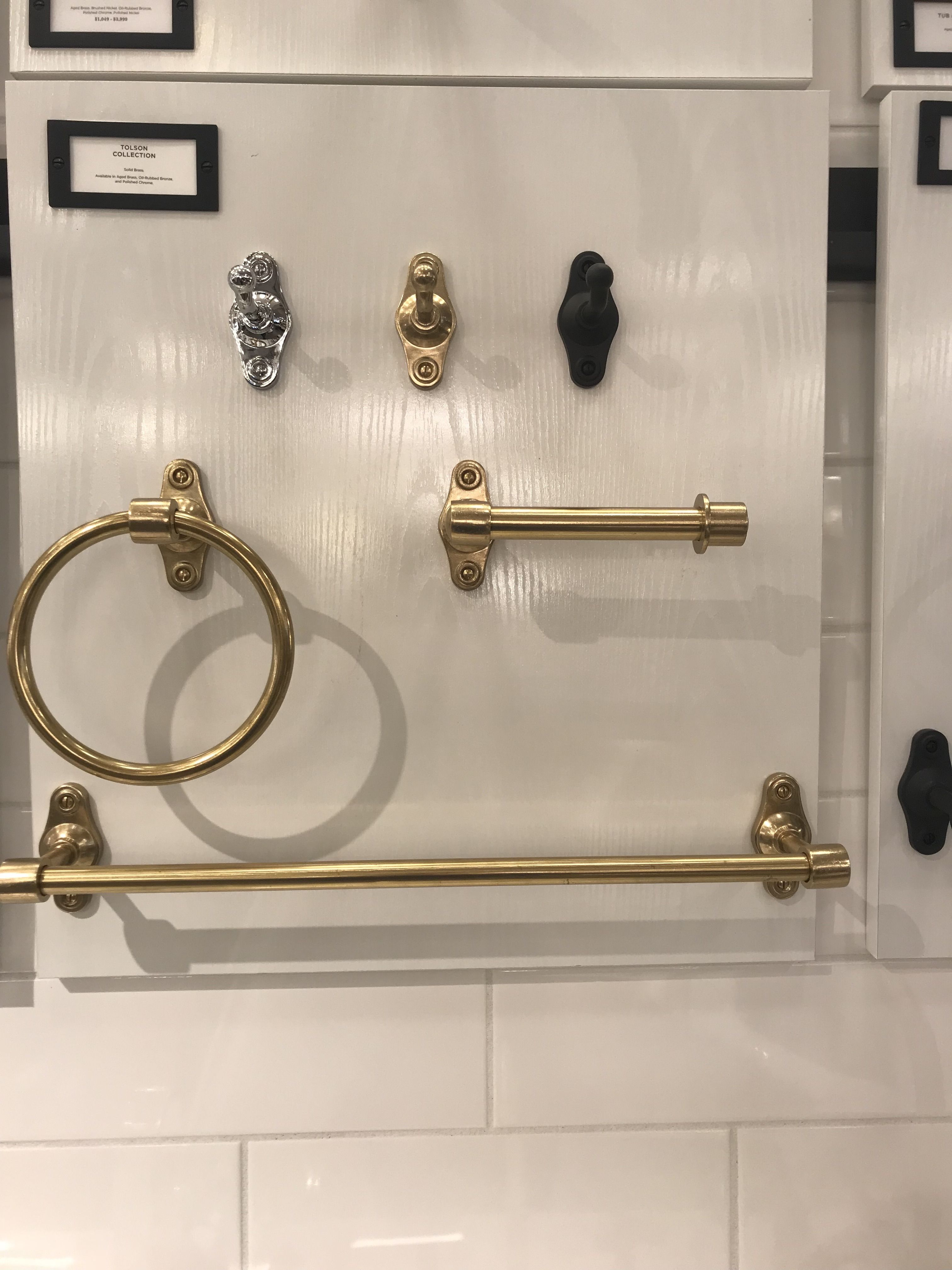 Pin by Joi Kring on Powder bath | Door handles, Decor ...