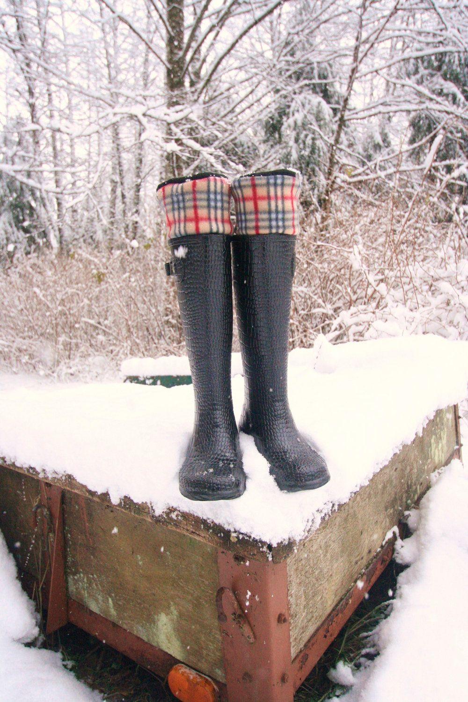 810c365526bd4 SLUGS Fleece Rain Boot Liners Black With A Black, Red, Tan Classic ...