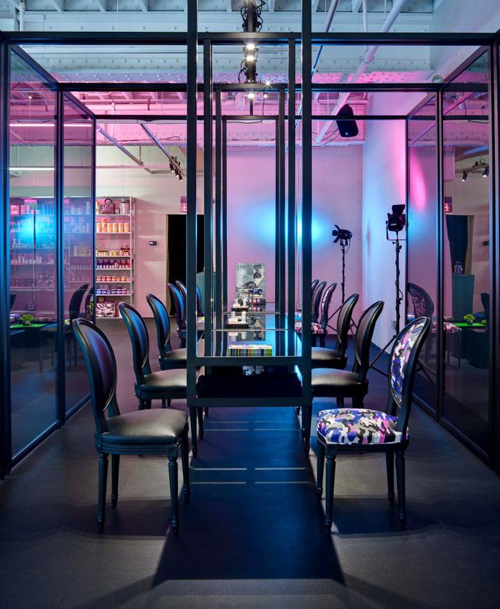 258d368ba67f Dior pop-up store in Miami with exclusive products of the brand ...