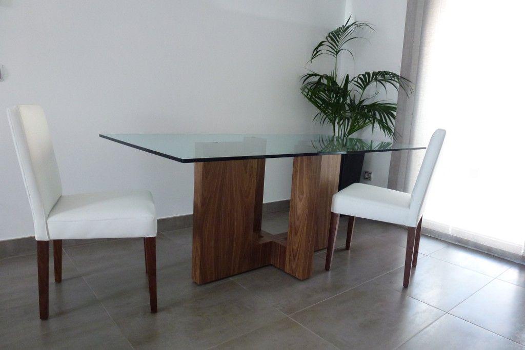 Mesa comedor nogal americano con tapa de cristal mesas for Mesas cuadradas para comedor