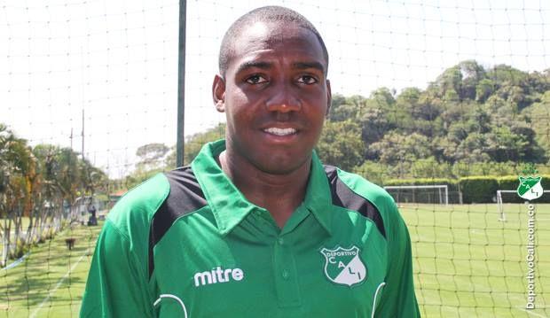 El delantero Edixon Perea, presentó renuncia a Deportivo Cali por motivos personales, pese a tener contrato con el equipo hasta el mes de diciembre del presente año. La renuncia fue aceptada.   Edixon, anotó cuatro goles durante su permanencia en la institución.