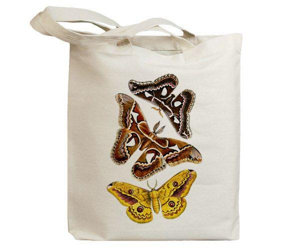 He encontrado este interesante anuncio de Etsy en https://www.etsy.com/es/listing/85779202/butterflies-flying-insects-30-eco