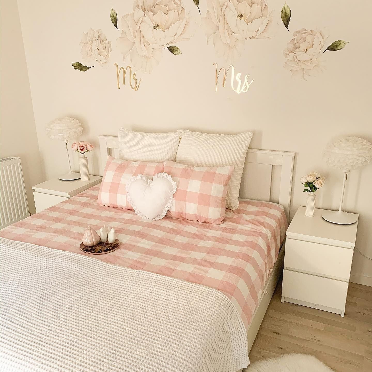 ⭐️Feng Shui For Bedrooms: Ensure The Bed Has A Solid