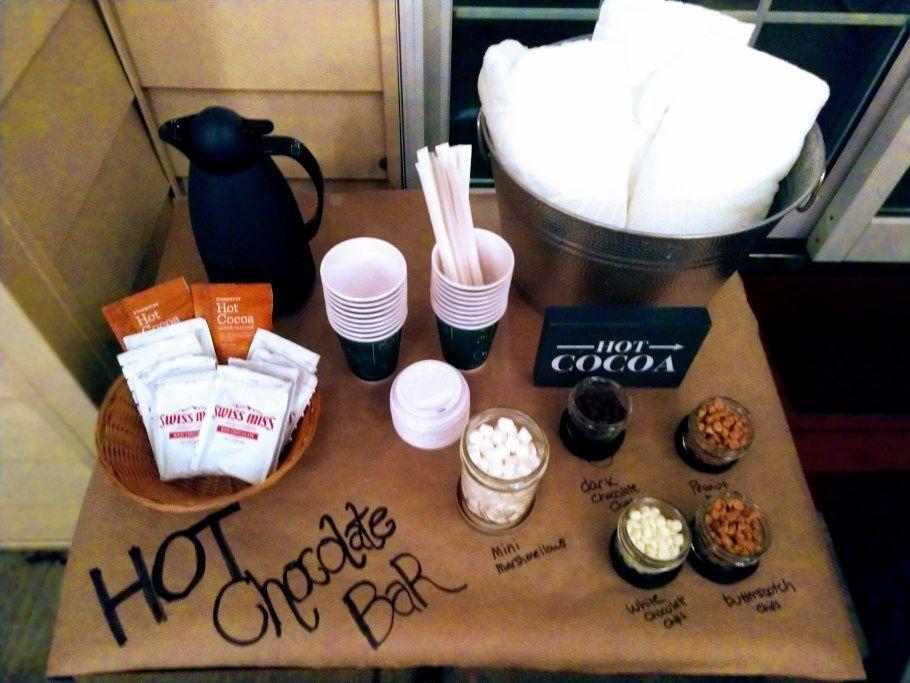 DIY Hot Chocolate Bar - A LITTLE DIY #hotchocolatebar