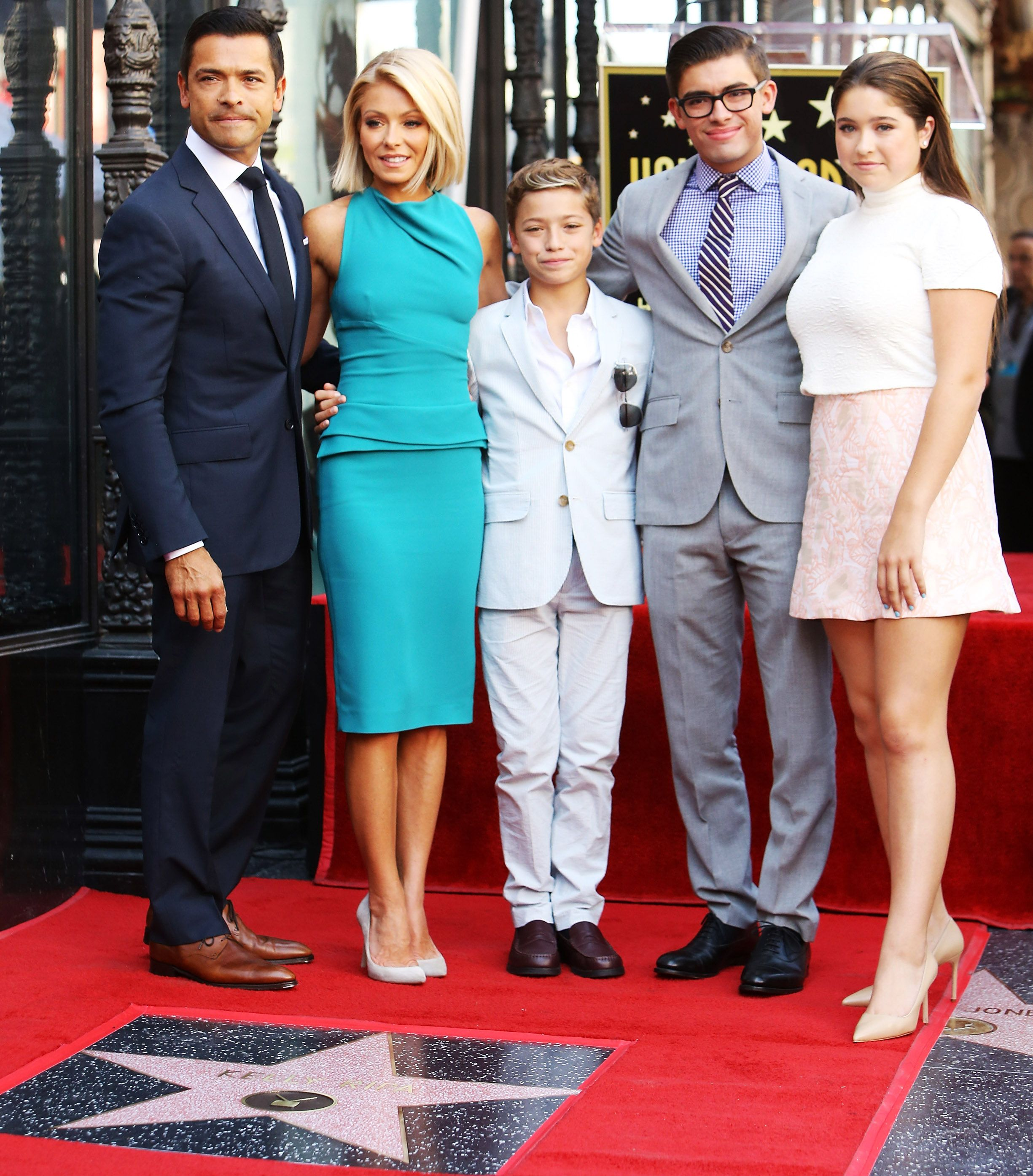 Kelly Ripa Celebrates Star on Hollywood Walk of Fame with Hubby Mark  Consuelos and Their Three Kids