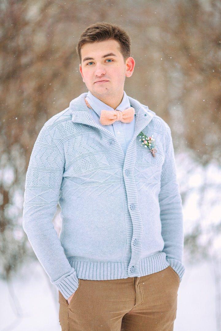 Groom style | Peach groom bow tie and blue cardigan | fabmood.com #peachbowtie #groom #wedding #winterwedding #outdoorwedding #snow #bride #weddingdress #peach