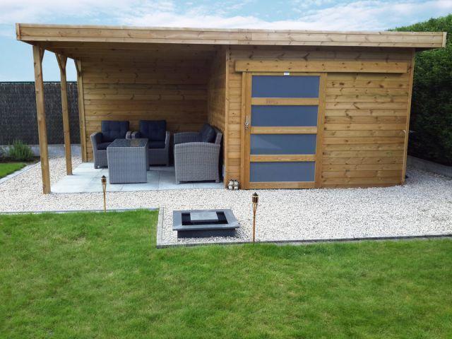abri de jardin a toit plat avec porte