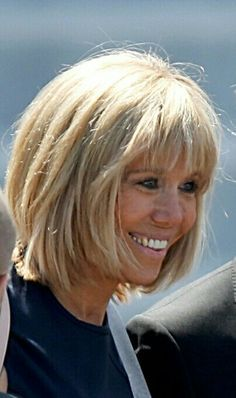 The Beautiful And Stylish Brigitte Macron The First Lady Of France Petitechic Hairstyle Beautiful Gray Hair Bad Hair