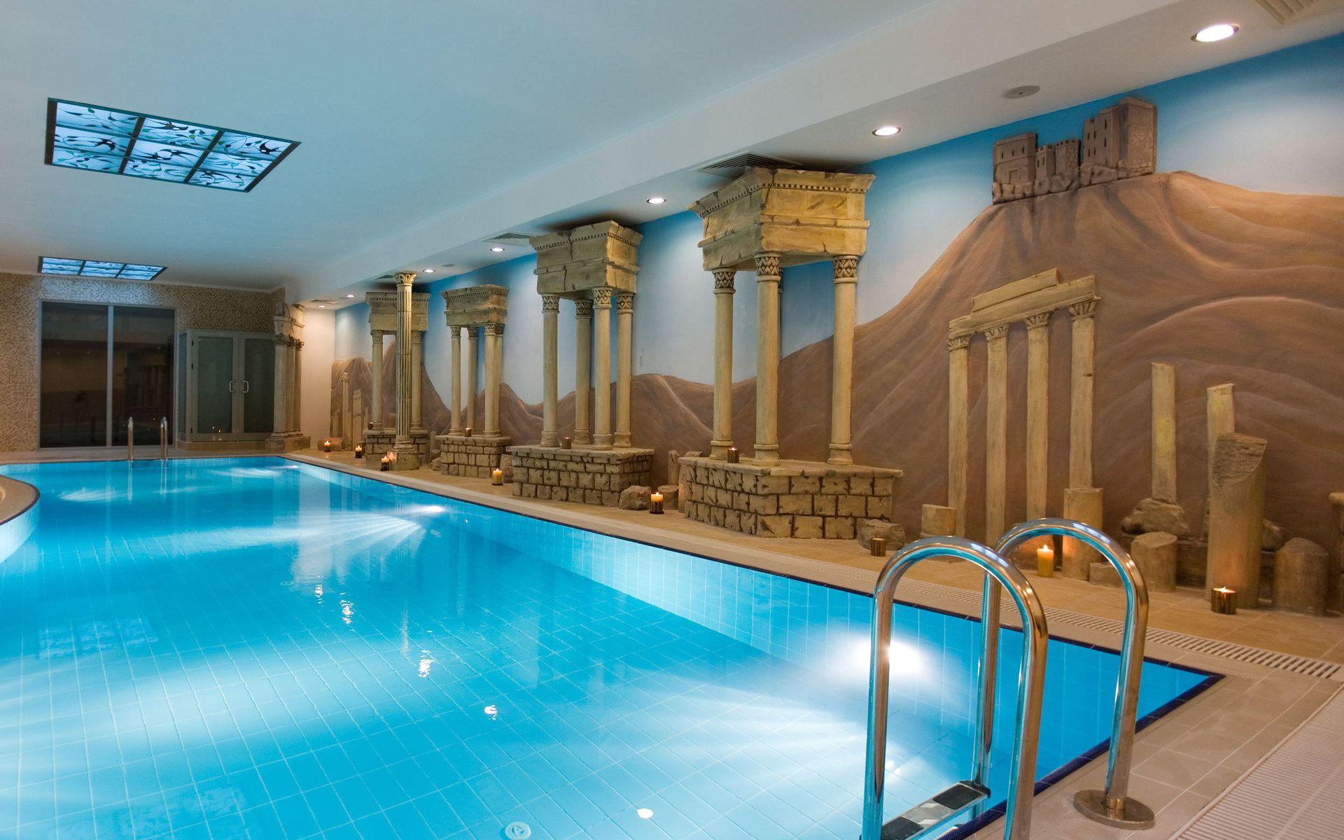 Swimming Pool Wallpaper