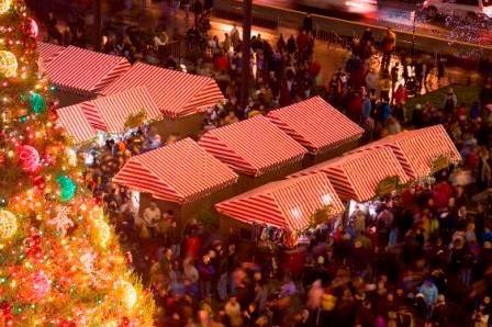 Chicago German Christmas Market.Christkindl Market Chicago Beautiful Light Snow Falling