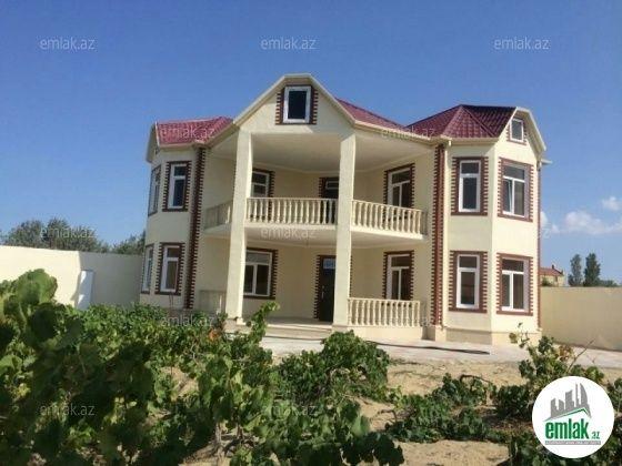 Satilir 6 Otaqli 300 M2 Bag Evi Baki Novxani Bag Massivi Ev 317 Unvaninda House Styles House Mansions