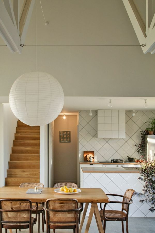 Asymmetrical Shelter House in Auckland by Henri Sayes | Residence ...