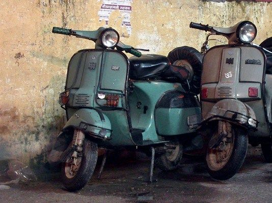 My Father S Bajaj Super Fe Retro Lives On With Images Vespa