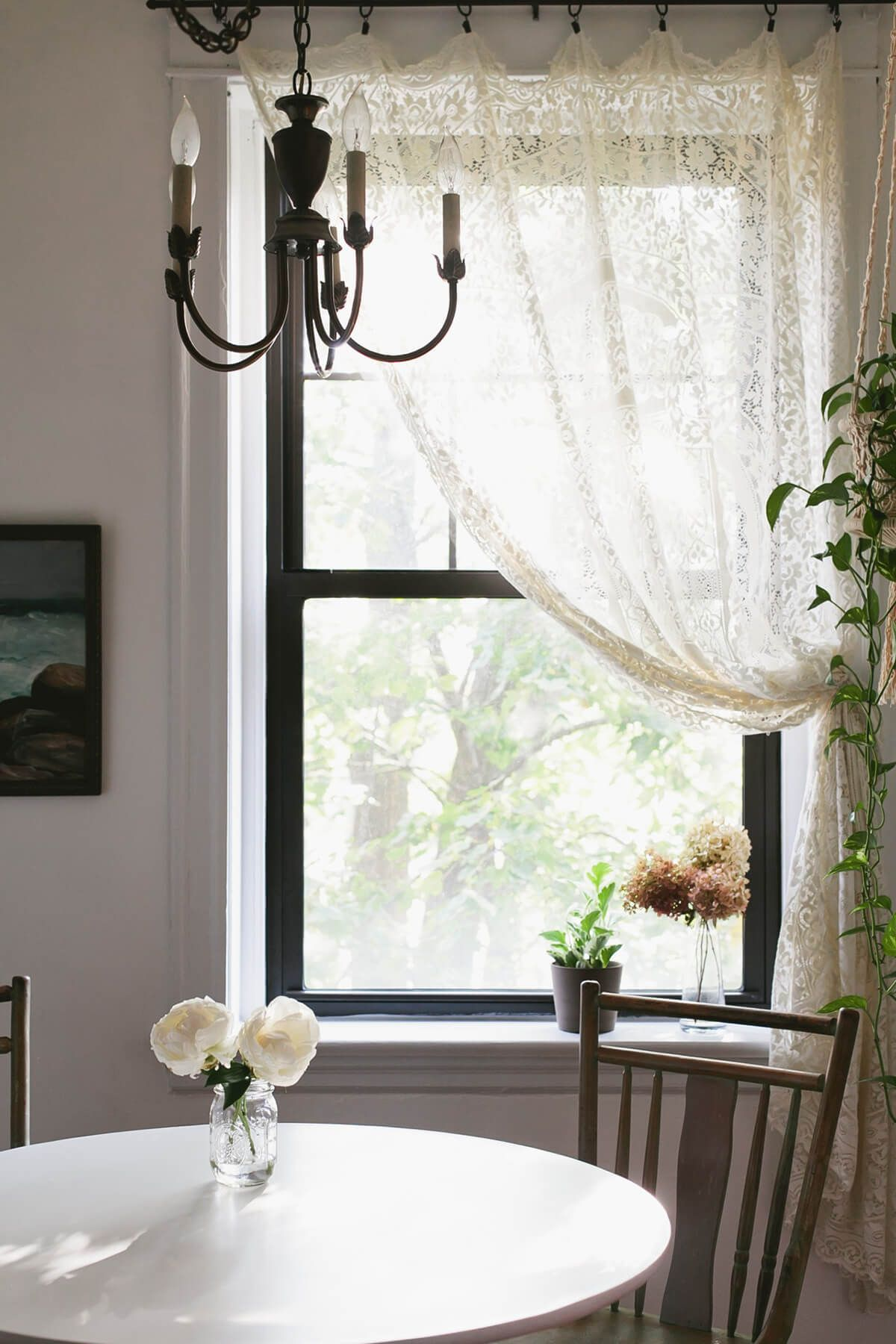 26 Farmhouse Window Treatment Ideas To Bring Old Fashioned Charm To Your Home Farmhouse Window Treatments Curtains Living Room Farmhouse Curtains