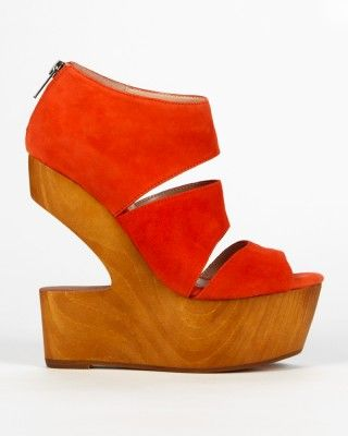 red wood heeled sandal Get 15% off http://www.studentrate.com/itp/get-itp-student-deals/yellow-plum-discounts--amp--coupons--/0