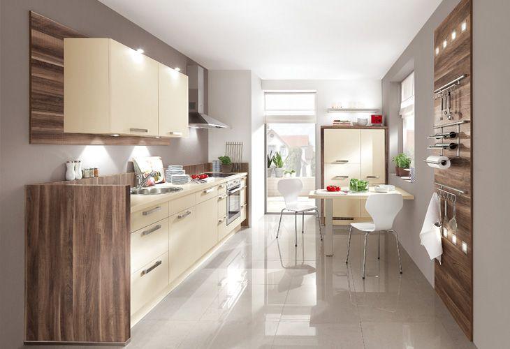 Der Küchenstil Muss Zu Den Persönlichen Vorstellungen Und Wünschen Passen.  Besonders Beliebt Sind Moderne Küchen Mit Glatten Fronten, Klarem  Design Konzept