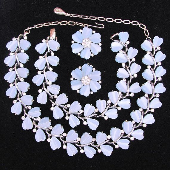 lisner blue chocker parure | Vintage Lisner Thermoset Blue Heart Shaped Leaves with Clear ...