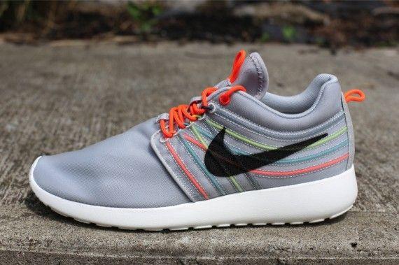Nike Roshe Run Dynamic Flywire QS 'Strata Grey/Black-Total Crimson-Cool Grey '
