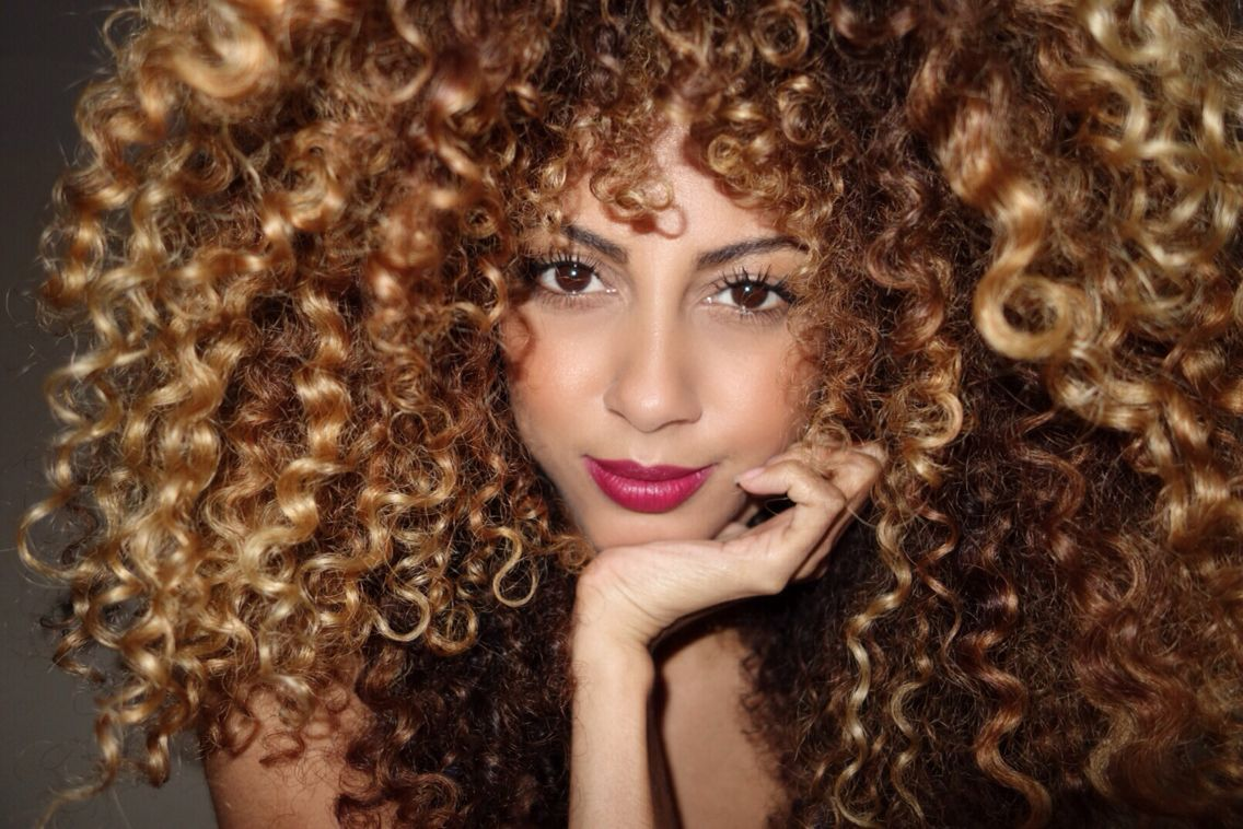 Big Curly Hair Styles: Afro, Frizzy, Curly Hair And Big Wig On Pinterest