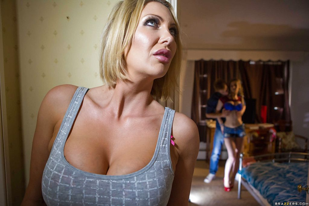 Another milf wife spied