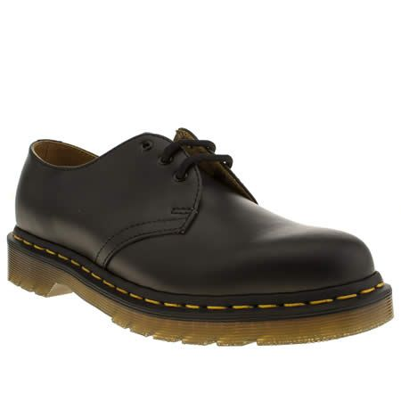Martens 1461 silhouette truly is a Modern Classic. The smooth black leather  upper sits on an iconic AirWair sole unit, with signature yellow stitching  for ...