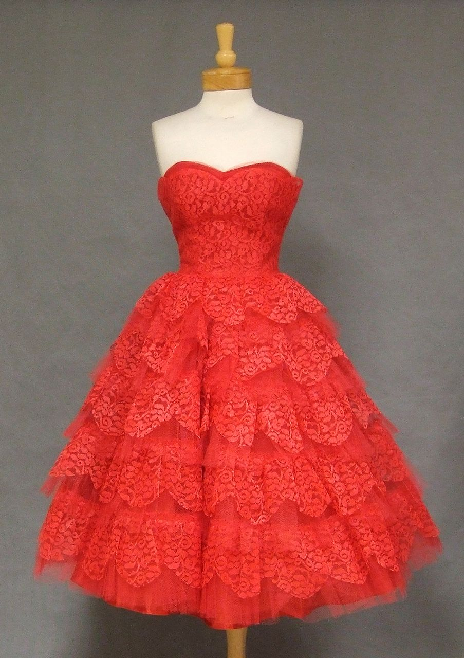 Stunning cherry red lace u tulle strapless us prom dress