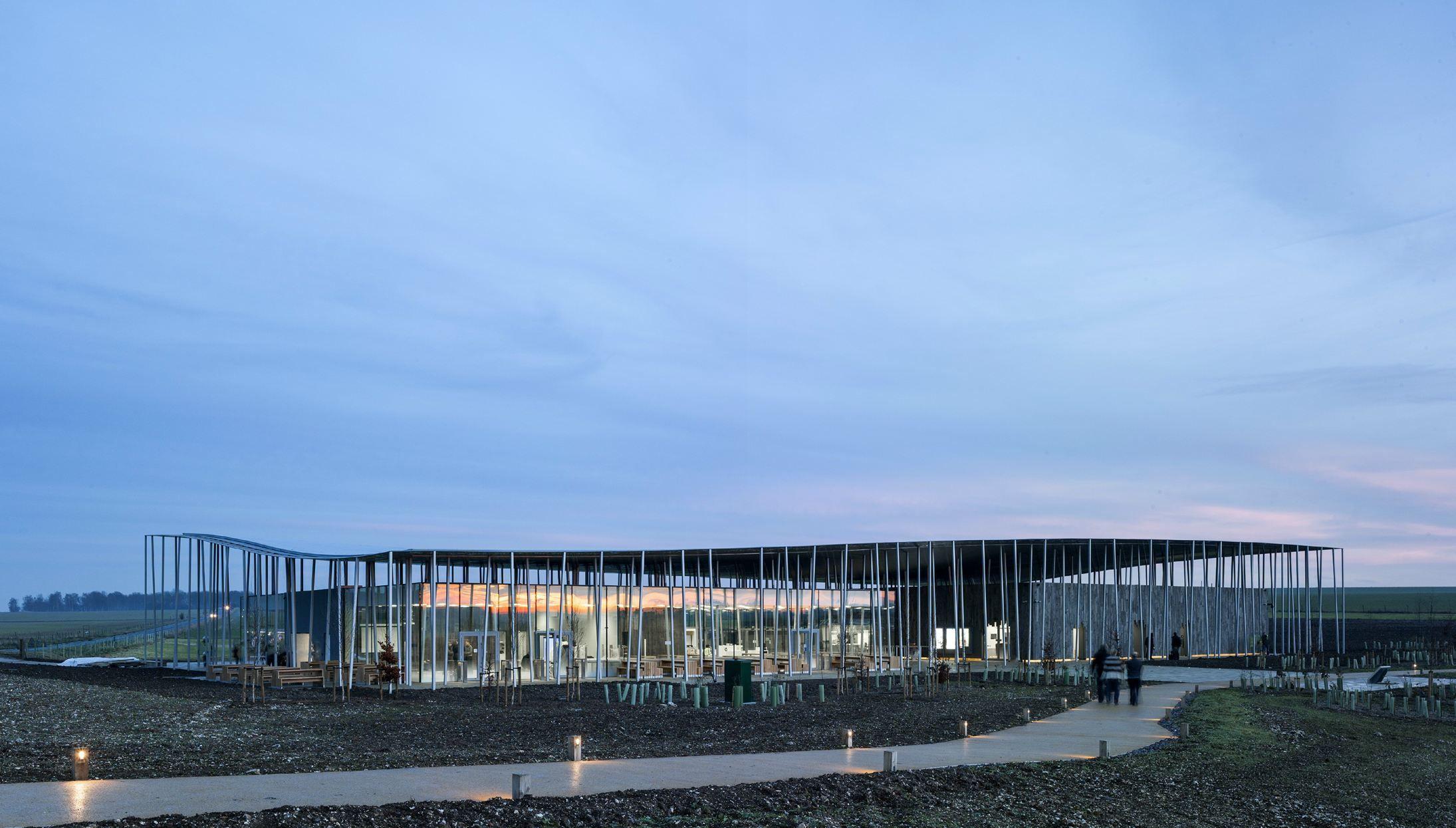 Lo Stonehenge Visitor Centre di Denton Corker Marshall Un edificio sostenibile, totalmente reversibile e di bassissimo impatto ambientale
