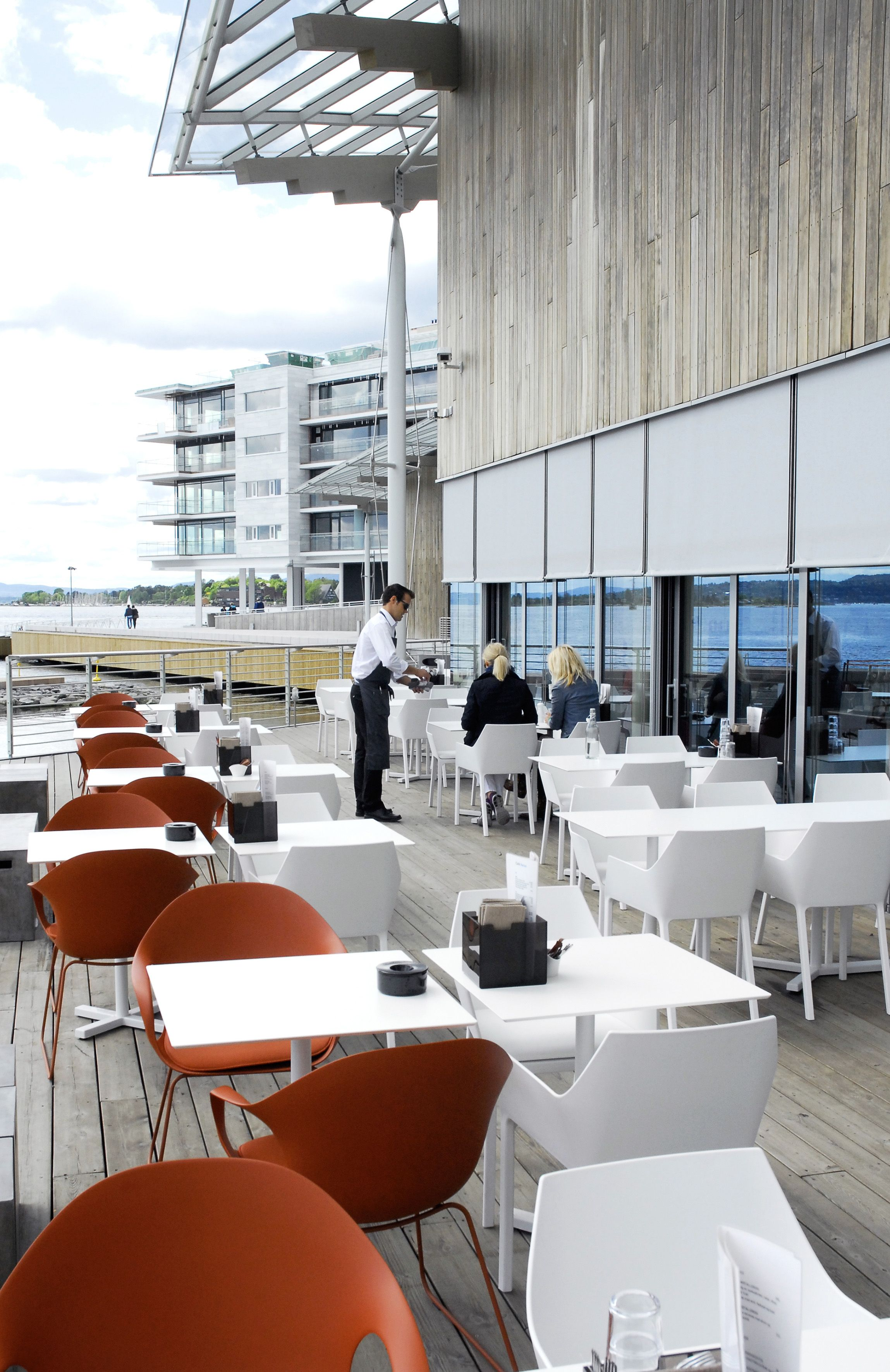 Astrup Fearnley Museet, Oslo (N) - Pulp + Elephant chairs for Kristalia #oslo #astrupfearnleymuseet #renzopiano #outdoors #outdoor #outdoorliving #outdoordesign