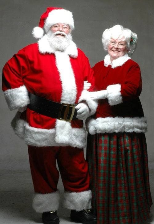 f3e1aff58 Santa   Mrs Claus