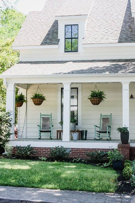7 steps to a fantastic front porch inspired by real life for Front porch makeover ideas
