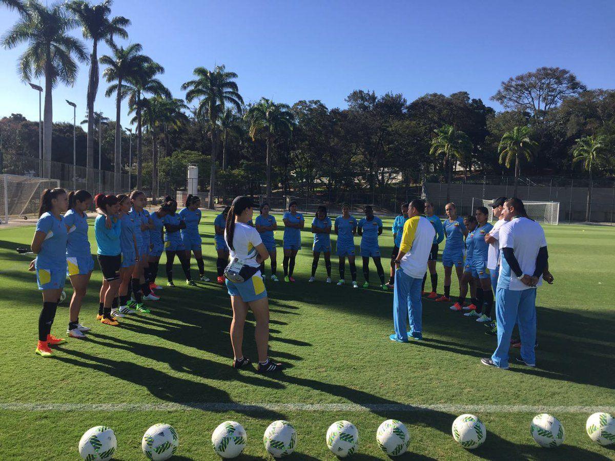 RT @FCFSeleccionCol: #FCFFemenino se prepara al 100% para el debut. Hoy exigente trabajo de campo en en Sesc Venda Nova (Belo Horizonte) https://t.co/wfekGvtlqB