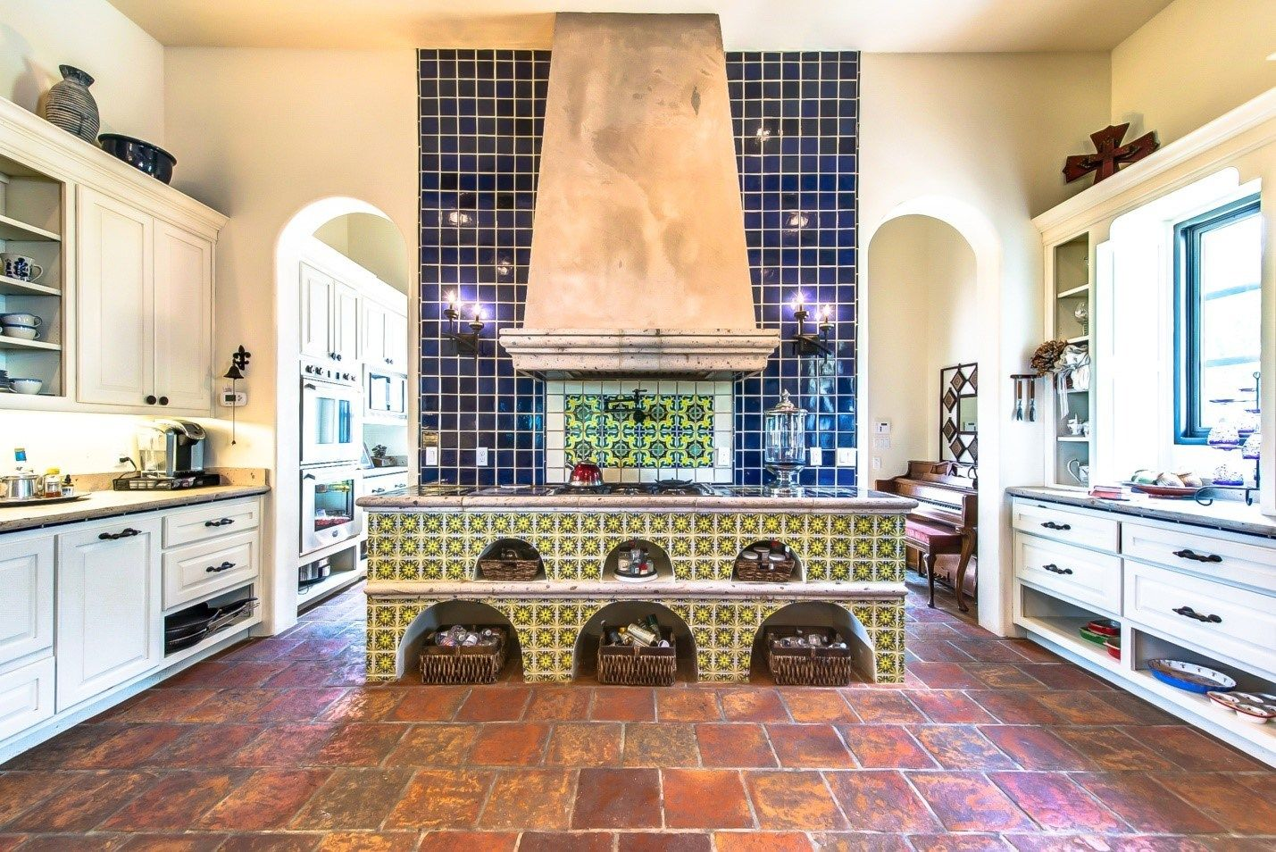 44 top talavera tile design ideas from Talavera Tile Kitchen ...