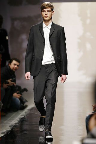 the same suit in a darker shade than the previous one.   Prada   Fall 2007 Menswear Collection   Style.com
